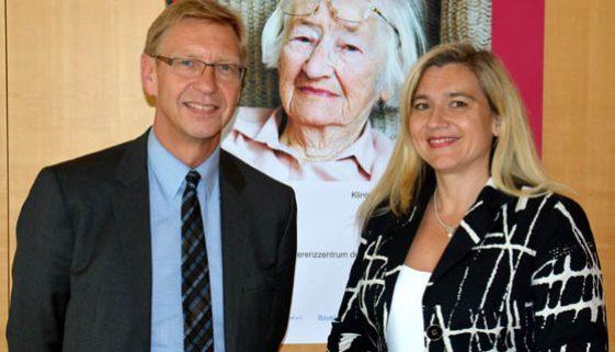 """Bayerischer Fachtag """"Demenz im Krankenhaus"""" – Herausforderung für den Klinikalltag Fachtag der Alzheimer-Gesellschaft mit Bayerns Gesundheitsministerin Melanie Huml"""